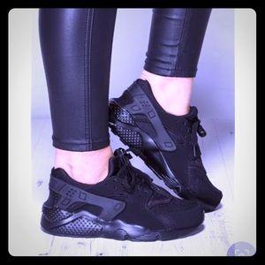Womens Nike air huaraches Sz 6.5
